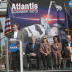 AtlantisDisplay_NASA02.jpg