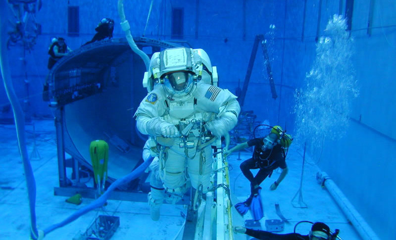 Nasa To Share Huge Swimming Pool With Oil Firm Houston