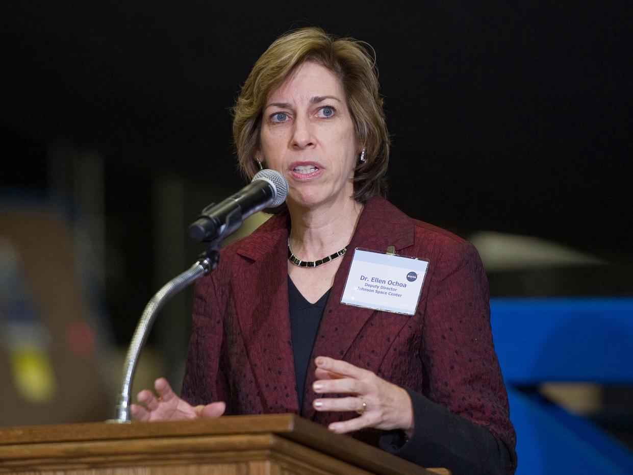 Civil Contractor Profile Ellen Ochoa Director Nasa Johnson Space Center