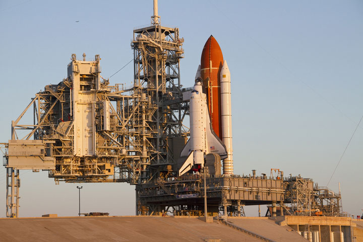 USA Engineer Dies from Shuttle Launch Pad Fall [Orlando ...