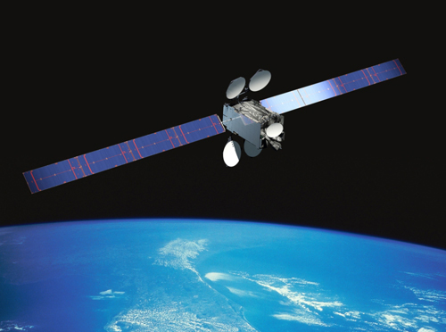 Intelsat 29e, the first Epic high-throughput Ku-band satellite, will carry the equivalent of 230 36-megahertz transponders. Credit: Boeing artist's concept