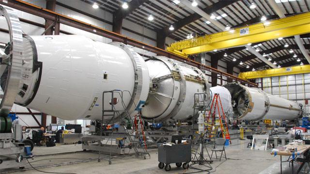 Falcon9apart_SpaceX02.jpg