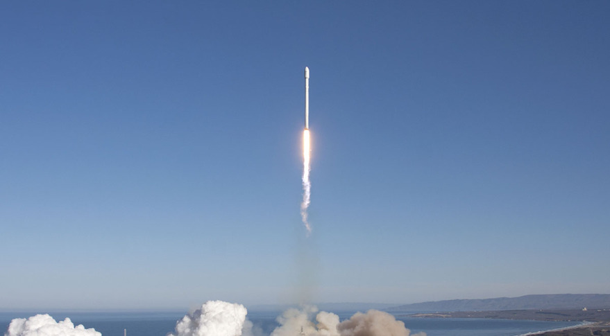 SpaceX Falcon 9 v1.1 rocket. Credit: SpaceX