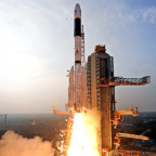 The GSLV carrying the GSat-14 communications satellite. Credit: ISRO
