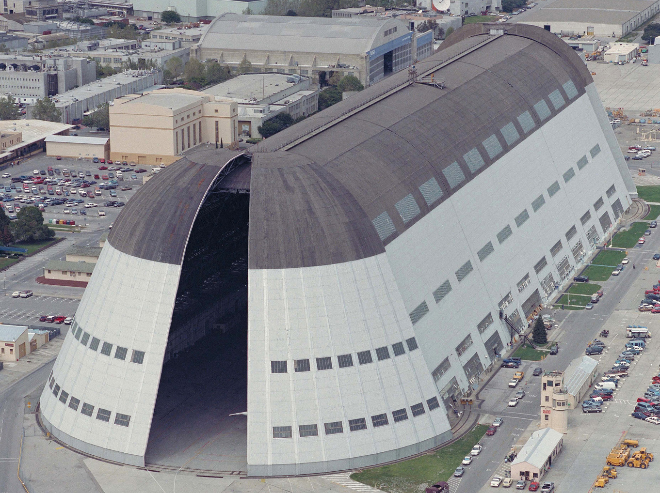 Nasa Signs Lease With Google Subsidiary For Moffett Field