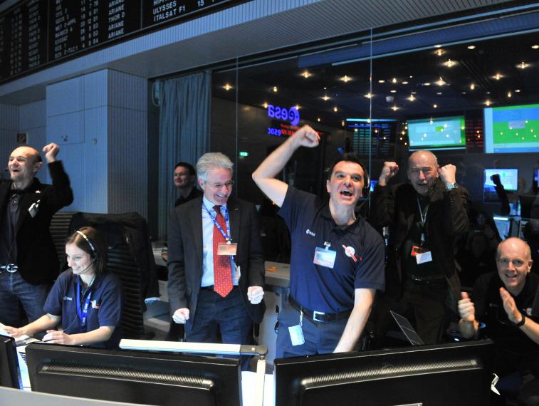 RosettaControl_ESA4X3.jpg
