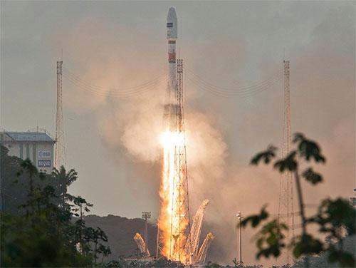 Sentinel1Ariane5_Arianespace4X3.jpg