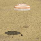 SoyuzLanding_NASA4X3.jpg