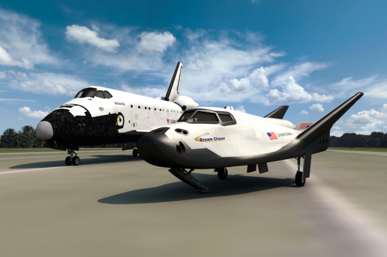 Dream Chaser and Space Shuttle Atlantis
