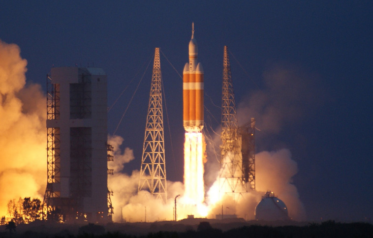 Delta 4 Heavy Launches Orion on Second Attempt