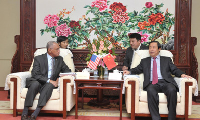 NASA Administrator Charles Bolden (left) meets with Xu Dazhe, director of the China National Space Administration. Credit: CAST