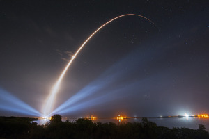 A ULA Atlas 5 carrying the third MUOS satellite for the United States Navy launched from Space Launch Complex-41 at 8:04 p.m. EST Jan. 20, 2015. Credit: ULA
