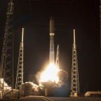 An Atlas 5 lifts off Jan. 20 carrying the U.S. Navy's MUOS-3 satellite. Credit: ULA
