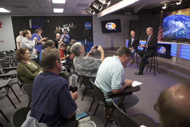 Former U.S. Vice President Al Gore, right, and Sen. Bill Nelson (D-Fla.) talk with reporters covering the DSCOVR launch. Credit: NASA/Kim Shift