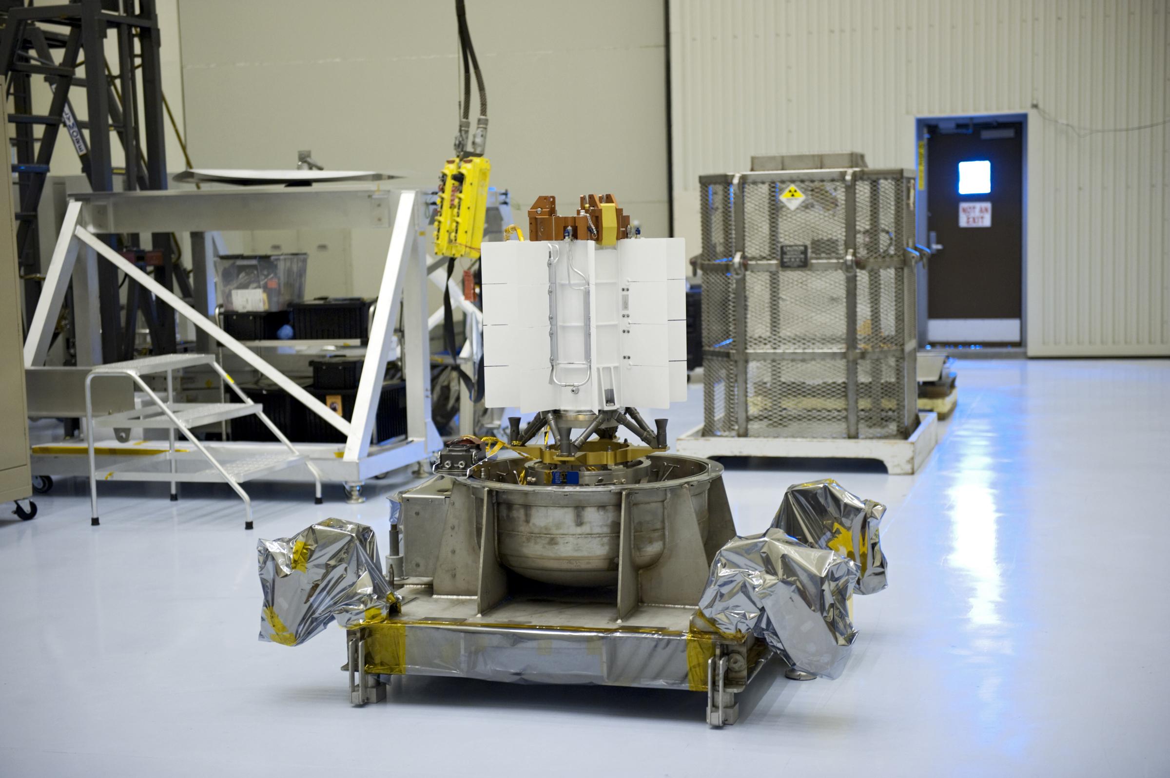 spacecraft power sources - photo #18