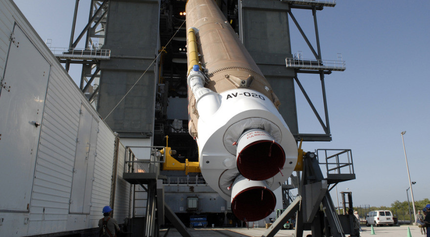 RD180Atlas5_NASA-879x485