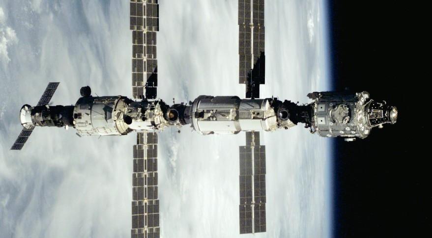Unity-Zarya-Zvezda_STS-106-e142551444035