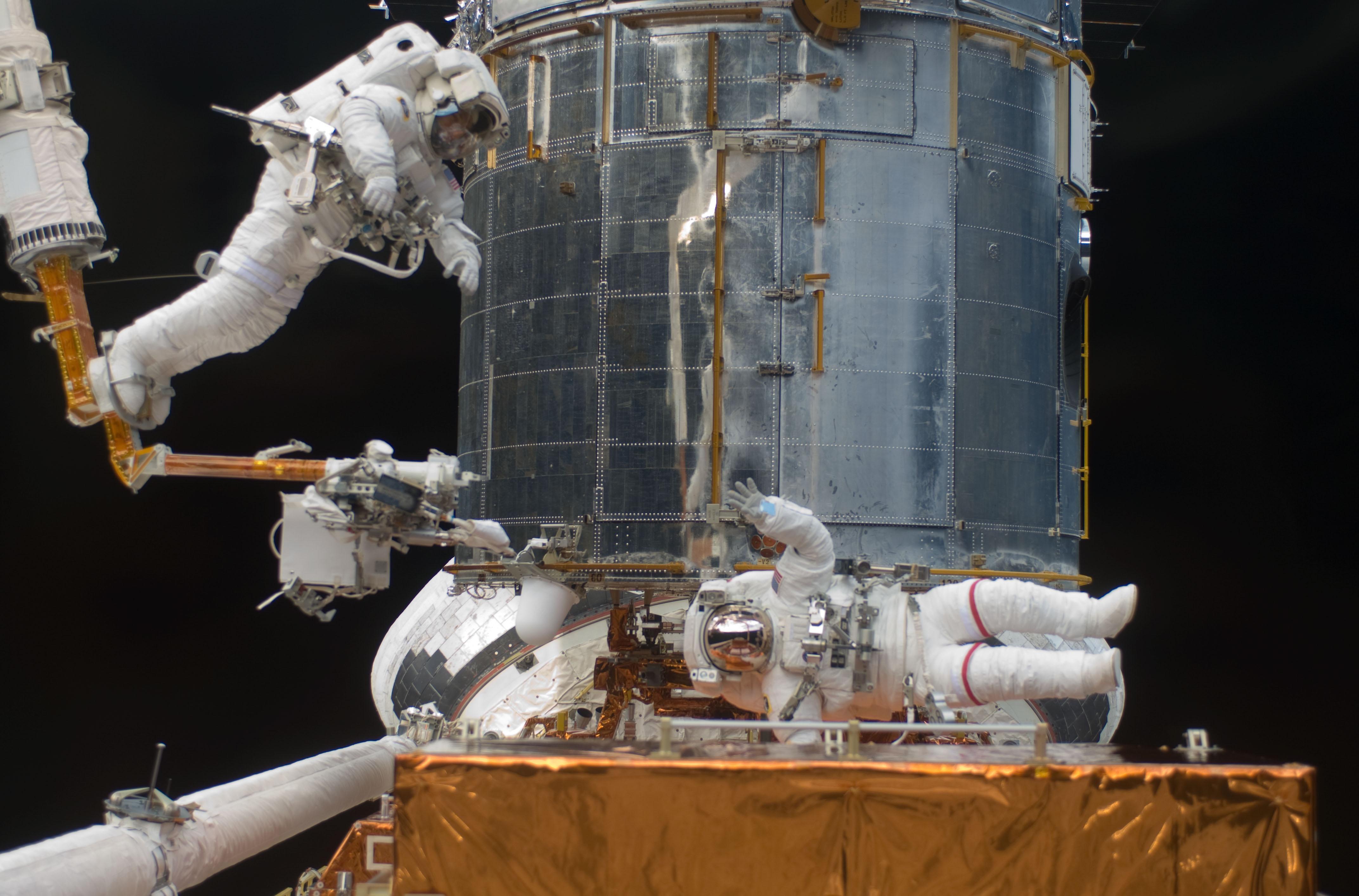 hubble telescope repair mission 2009 - photo #4