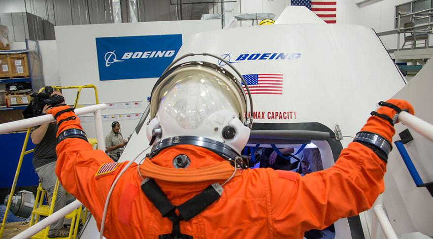 Boeing spacesuit CST-100