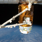 Canadarm 2 and HTV
