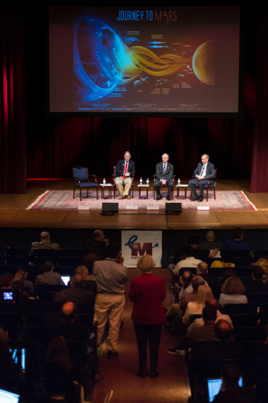 Senior NASA officials take audience questions at H2M2015. Credit: NASA/Aubrey Gemignani