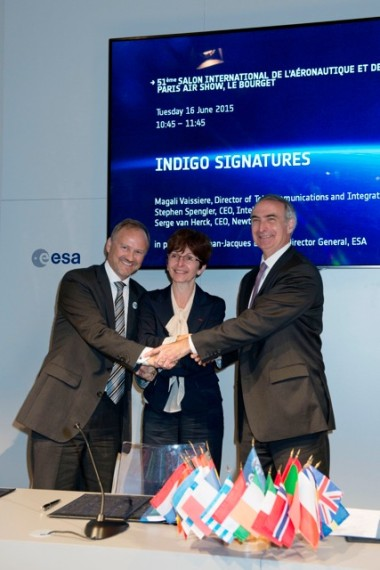 Newtec Chief Executive Serge van Herck, ESA Telecommunications and Integrated Applications Director Magali Vaissiere and Intelsat Chief Executive Stephen Spengler after Indigo contract signing. Credit: ESA