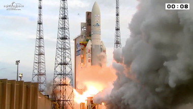 Ariane 5 lifts off Aug. 20 carrying the Eutelsat 8 West B and Intelsat 34 telecommunications satellites. Credit: Arianespace via YouTube
