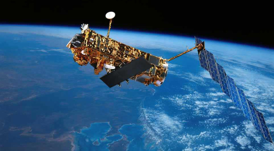 Artist's concept of the European Envisat Earth observation satellite. Credit: ESA