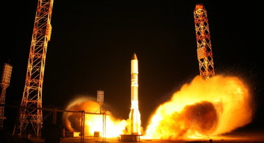 A Russian Proton rocket carrying the mysterious Luch satellite launches Sept. 28, 2014 from the Baikonur Cosmodrome. Credit: Roscosmos.