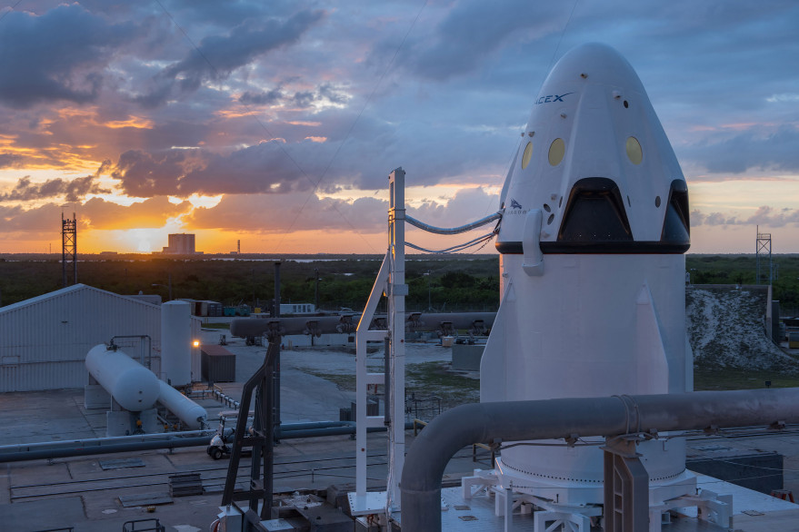 A SpaceX Dragon capsule ahead of its May 2015 abort test. Credit: SpaceX