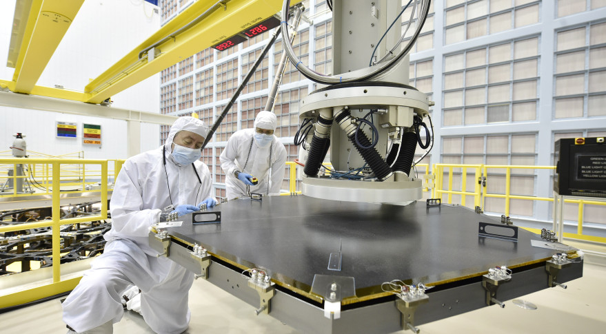 Nasa begins installation of jwst primary mirror for Who invented the mirror