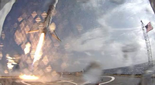 Falcon 9 first stage approaches Just Read the Instructions in the Atlantic Ocean after successfully launching CRS-6 to the International Space Station. Credit: SpaceX