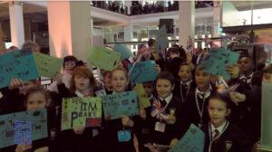 Tim-Peake-fans-at-London-Science-Museum