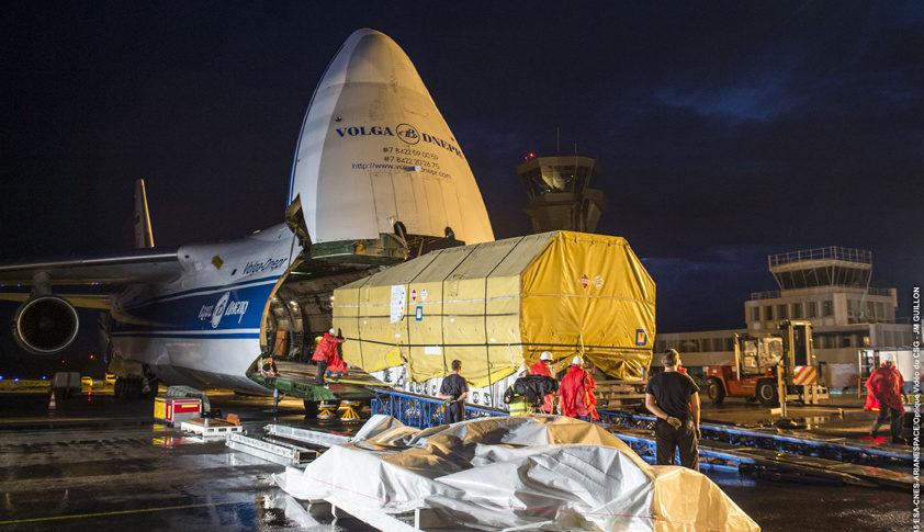 VA228 Arrivee Intelsat a Felix Eboue le 11/12/2015