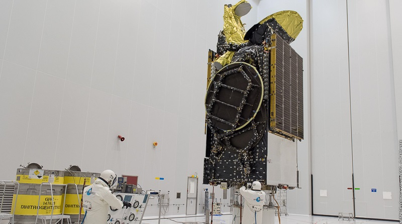 Eutelsat-65-West-A-Arianespace.jpg