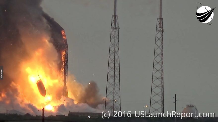 The payload fairing holding the Amos-6 satellite falls to the ground following the explosion of a SpaceX Falcon 9 that had been scheduled to launch Sept. 3. Credit: USlaunchreport.com
