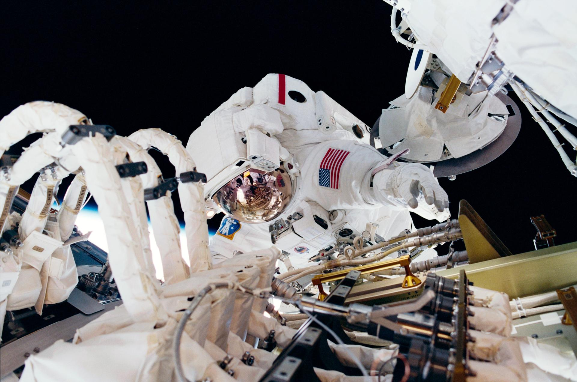 """Air Force doctor wins NASA """"Space Poop Challenge ..."""