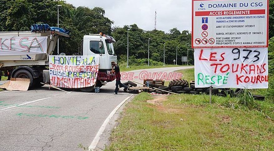 roadblock Kourou protest
