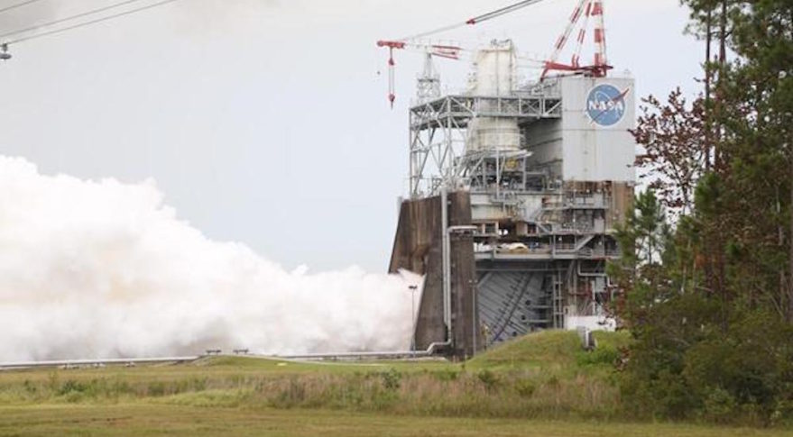 Aerojet Rocketdyne tests the third RS-25 flight controller on a developmental engine at NASA's Stennis Space Center on July 25, 2017. Credit: Aerojet Rocketdyne Inc.