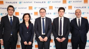 Eutelsat, Thales Orange photo shoot