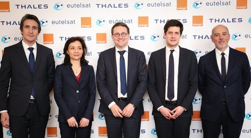 Eutelsat, Thales Orange photo shoot