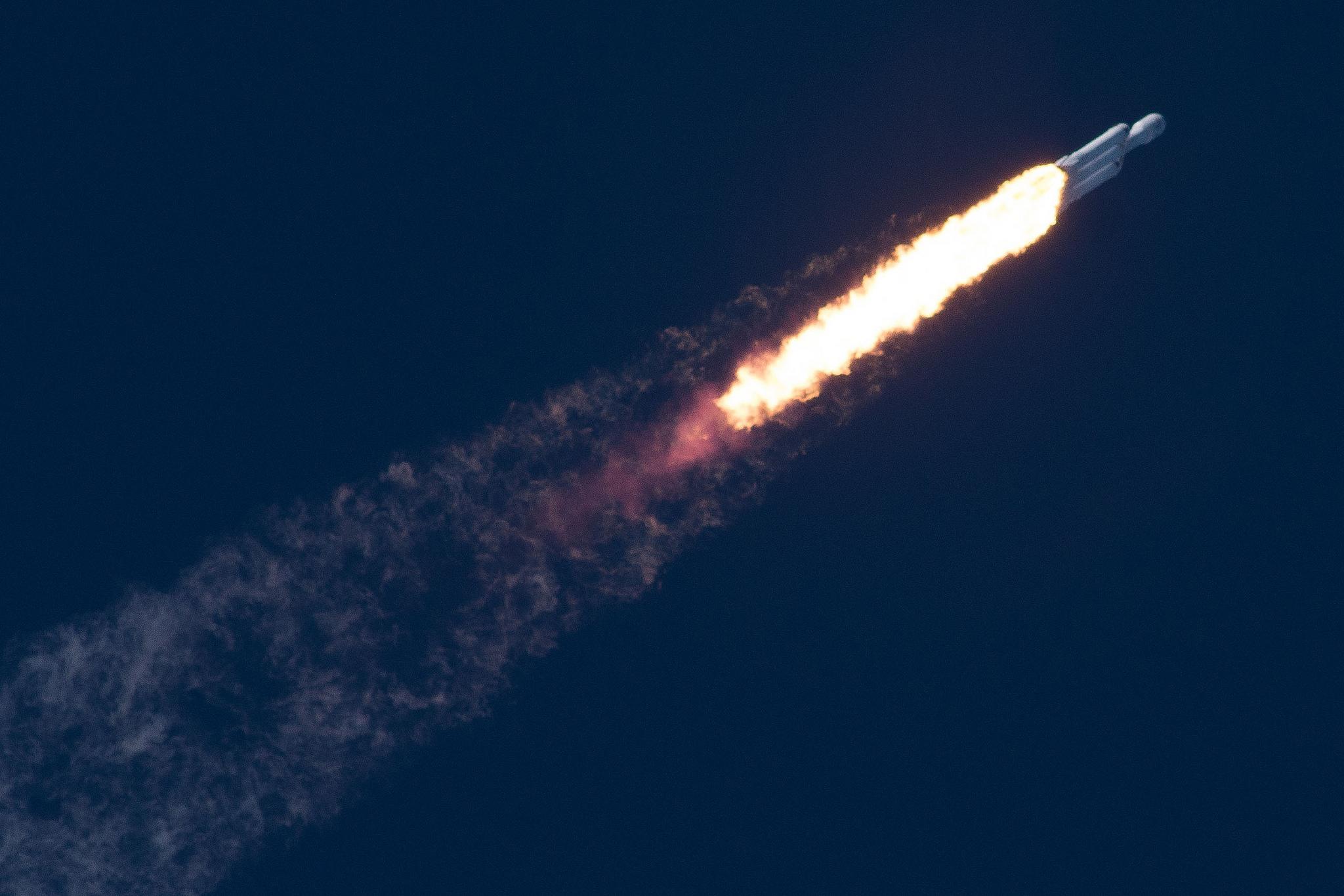 Falcon Heavy demo flight