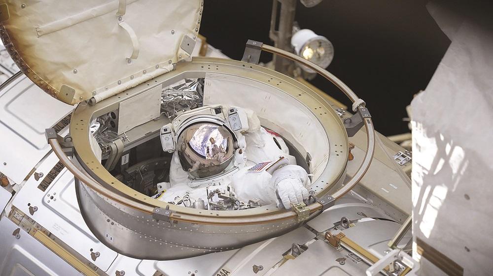 Astronaut hookup simulator 2019 no blur mod