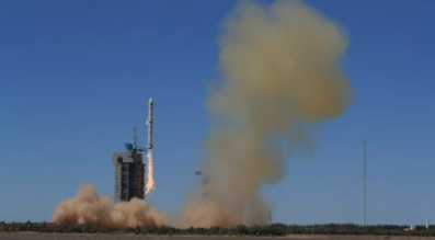 A Long March 2C/SMA rocket lifts off from Jiuquan Satellite Launch Center at 03:56 UTC on July 9, 2018. Credit: CGWIC