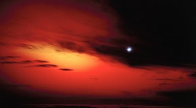 A view of the Starfish Prime high-altitude nuclear test from Maui Station on July 9. 1962.  Credit: Los Alamos National Laboratory