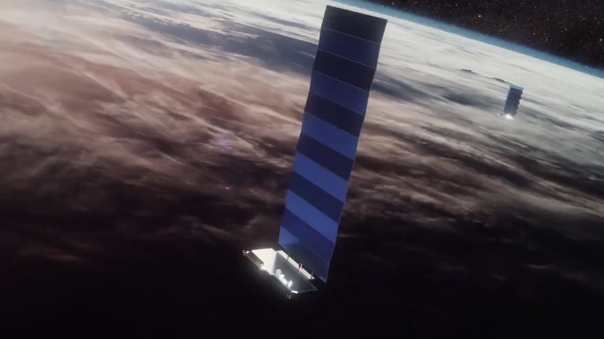 SpaceX raises $850 million