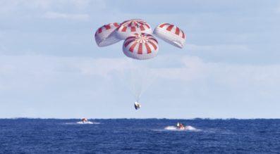 Crew Dragon parachutes
