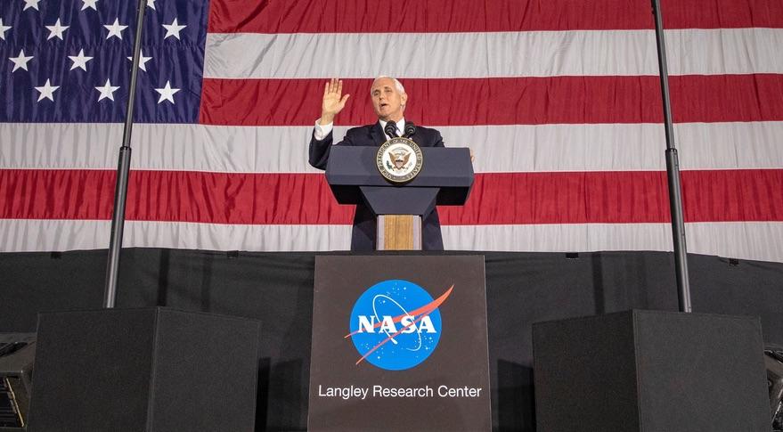 White House, NASA emphasize bipartisan support for lunar plans - SpaceNews