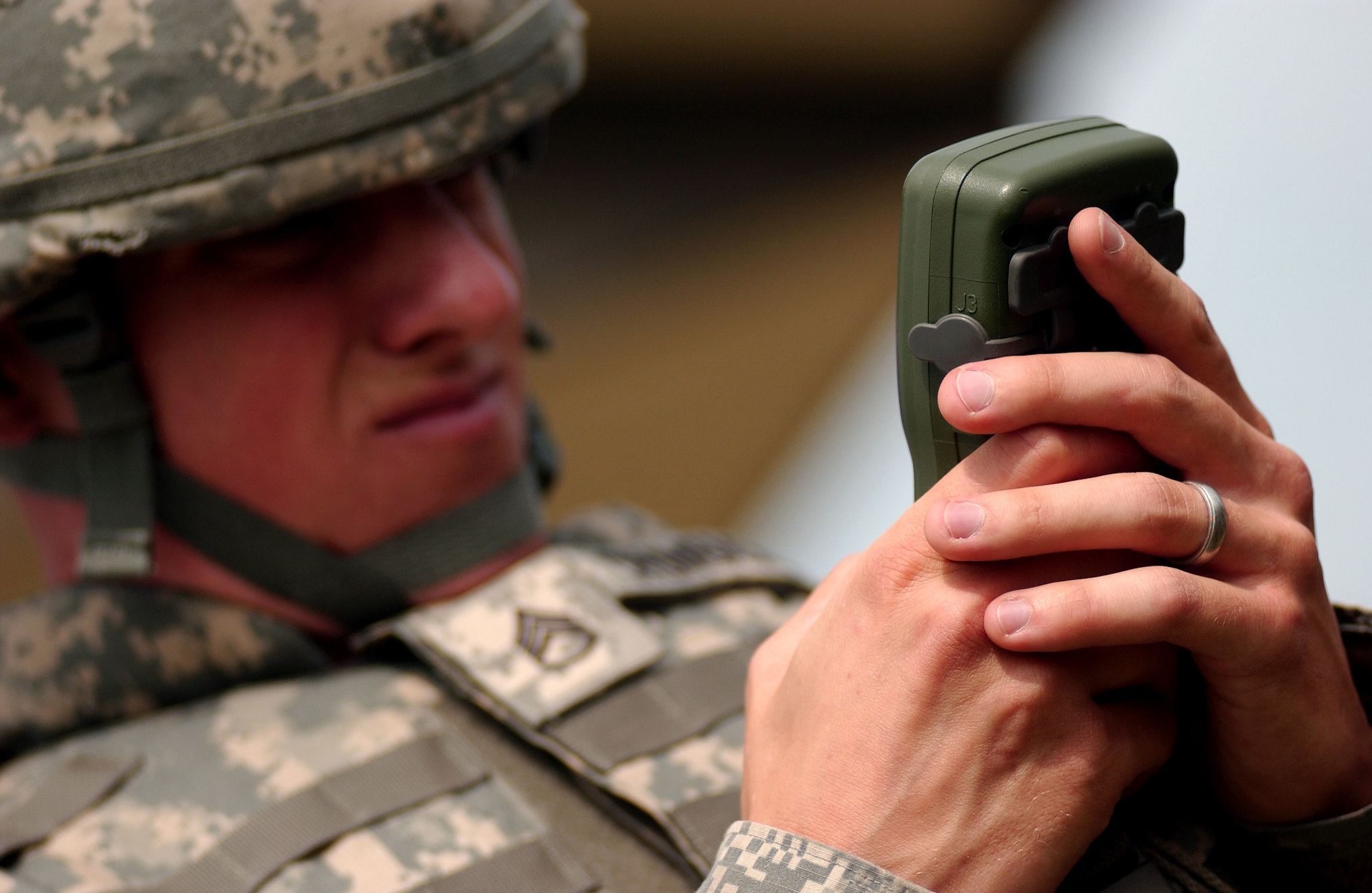 Three companies selected to develop military GPS handheld devices - SpaceNews
