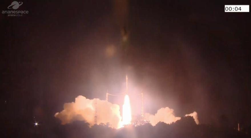 织女星运载火箭成功发射部署53颗小型卫星